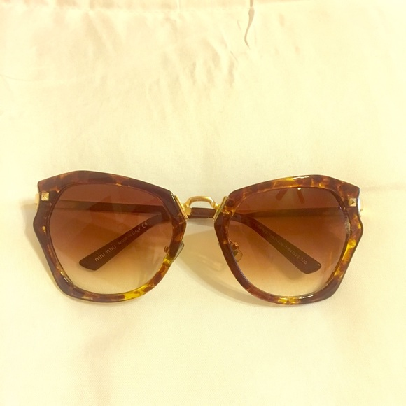 4d447f202bb Accessories - Miu Miu sun glasses